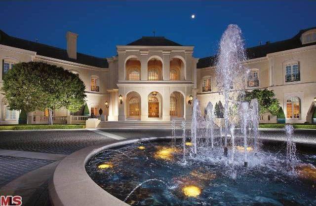 Kardashianki są biedne przy właścicielce tego domu