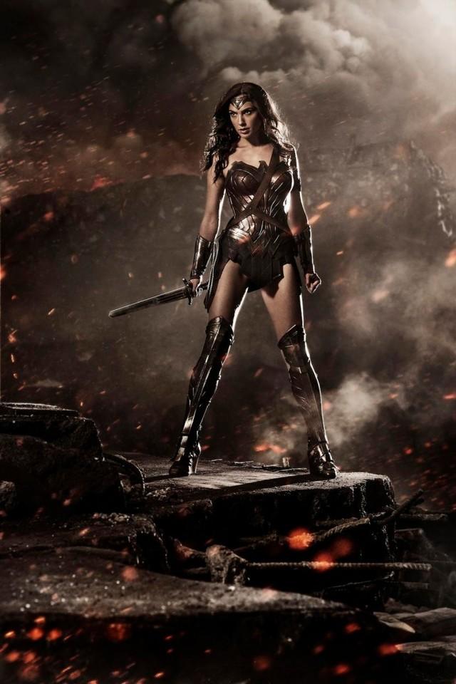 Pierwsze zdjęcia Wonder Woman - w tej roli Gal Gadot (FOTO)