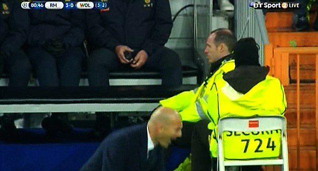 Zinedine Zidane tak cieszył się ze zwycięstwa, że aż pękły mu spodnie