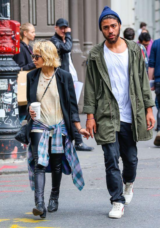 Zoe Kravitz i jej chłopak nie wyglądają na milionerów (FOTO)