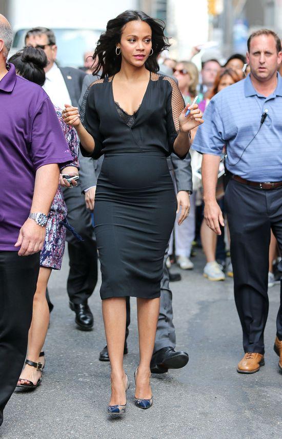 Zoe Saldana wyeksponowała ciążowy brzuszek (FOTO)