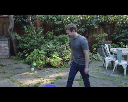 Mark Zuckerberg robi SPLASH lodowatą wodą [VIDEO]