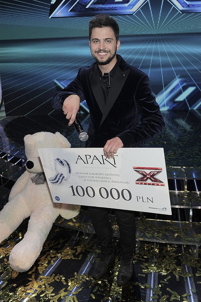 Zakręcona Farna i wylaszczona Kazadi w finale X Factora FOTO