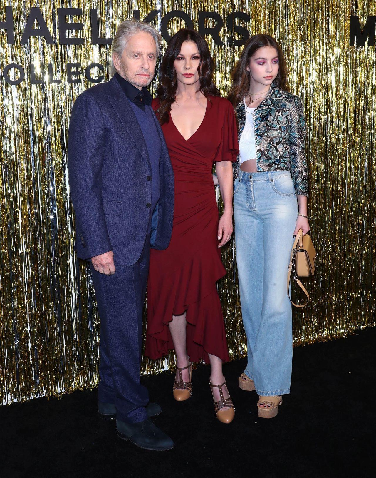 Celebrities at Michael Kors Fashion Show / STARMAX / BACKGRID , kod: 14163-14163-1