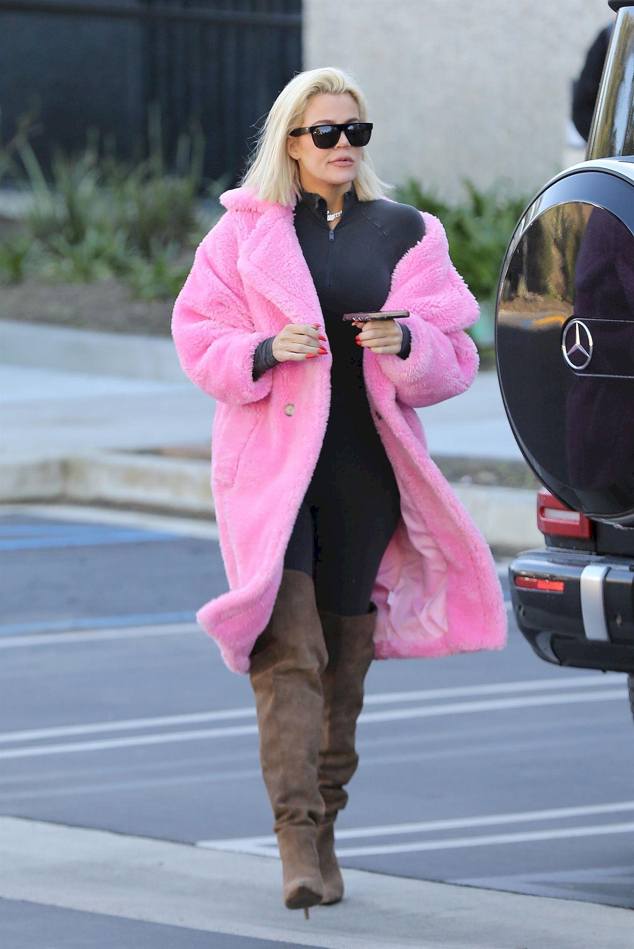 *EXCLUSIVE* Khloe Kardashian rocks a pink fur coat to Kanye's office in Calabasas Khloe Kardashian