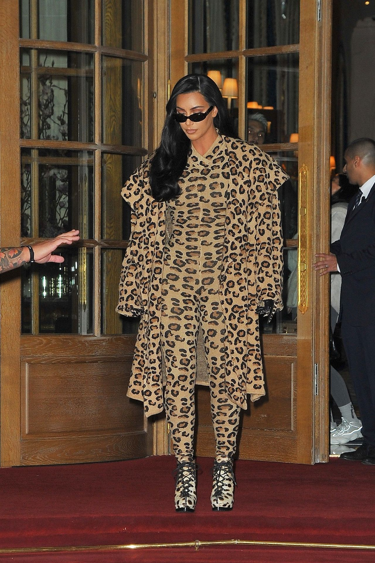 Kim Kardashian w kostiumie w panterkę