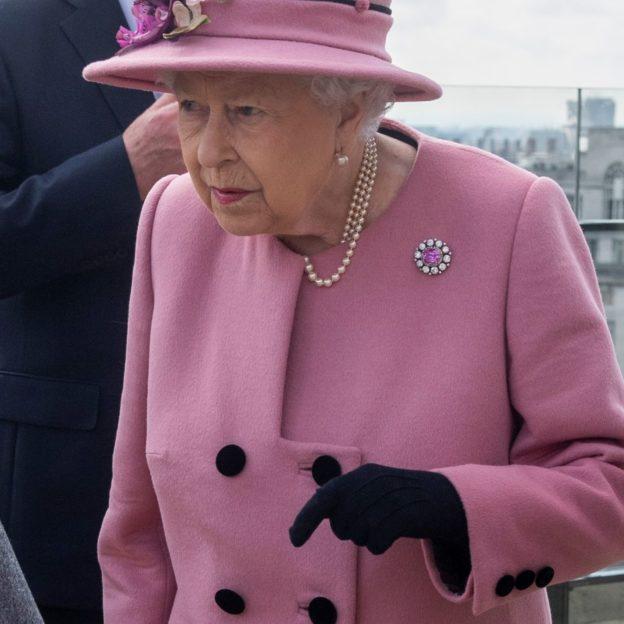 Królowa Elżbieta w King's College