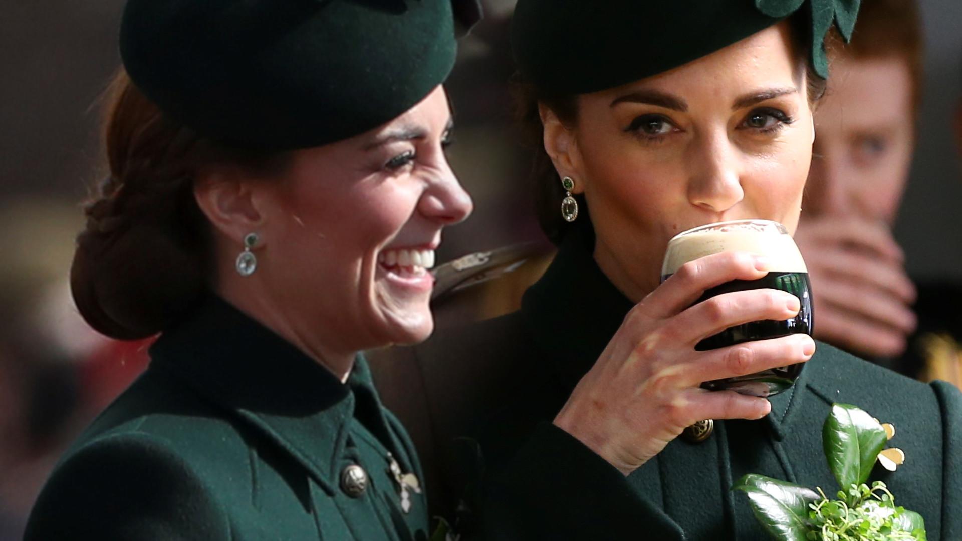 Kate Middleton w butelkowym płaszczu kosztuje irlandzkiego piwa (ZDJĘCIA)