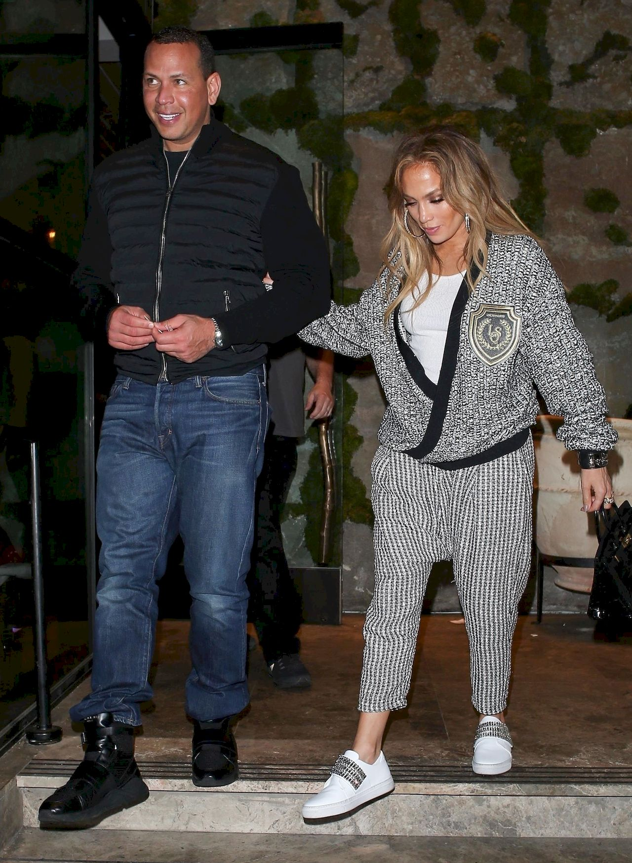 *EXCLUSIVE* Jennifer Lopez and Alex Rodriguez grab Avra Beverly Hills Estiatorio to end the weekend Jennifer Lopez, Alex Rodriguez