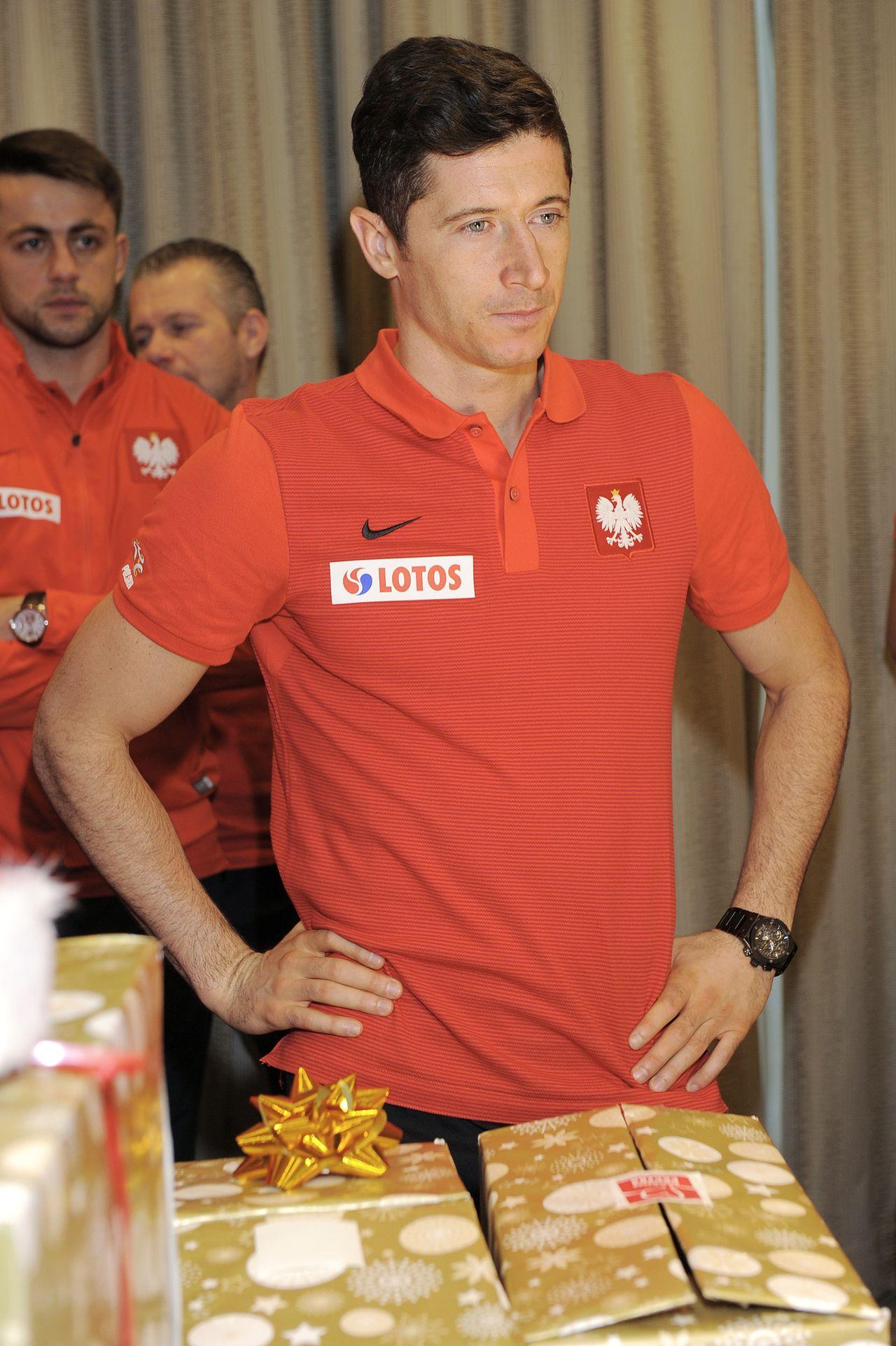 Robert Lewandowski podczas akcji Szlachetna Paczka