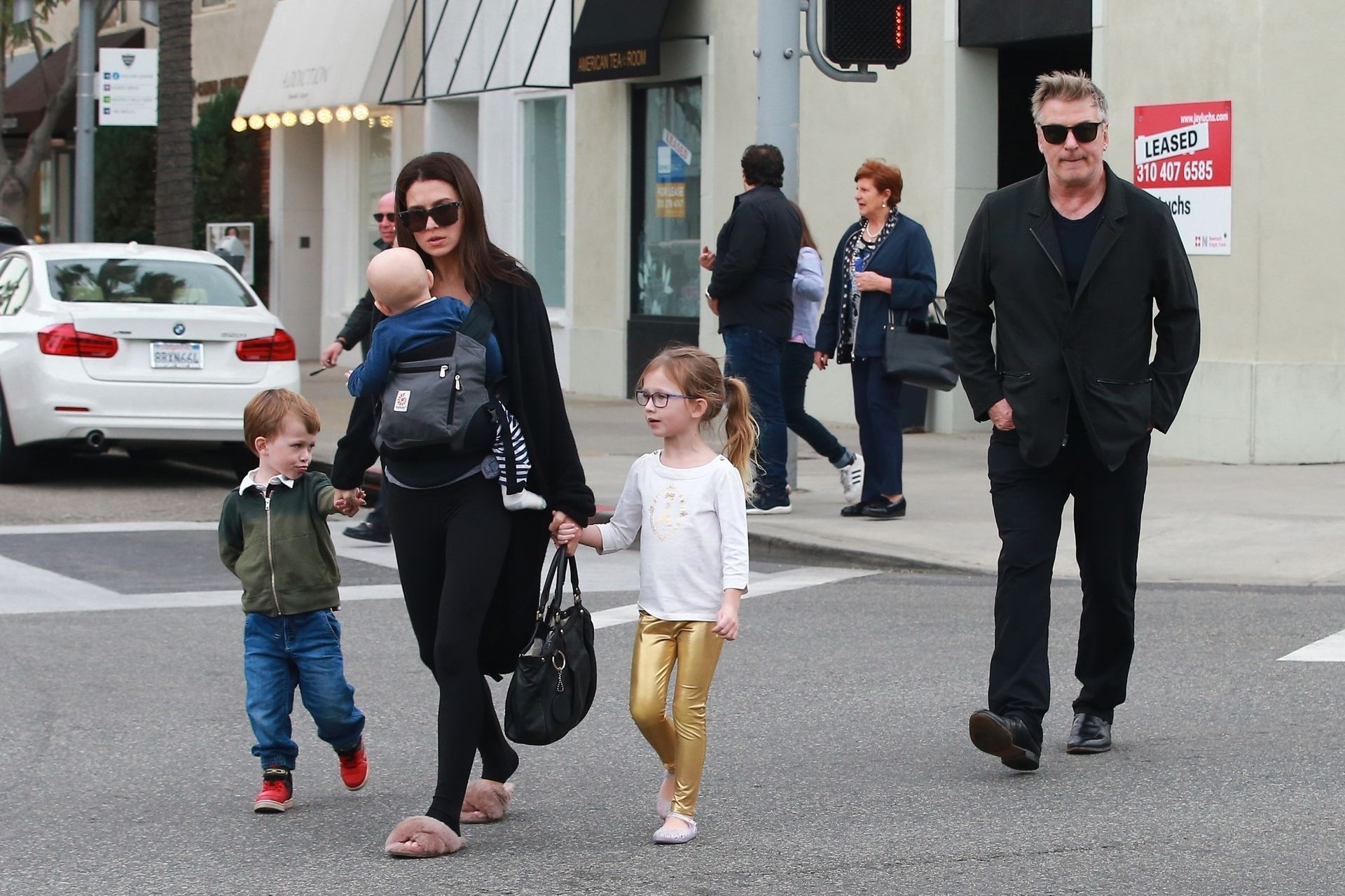 Hilaria Baldwin z mężem Alekiem i dziećmi