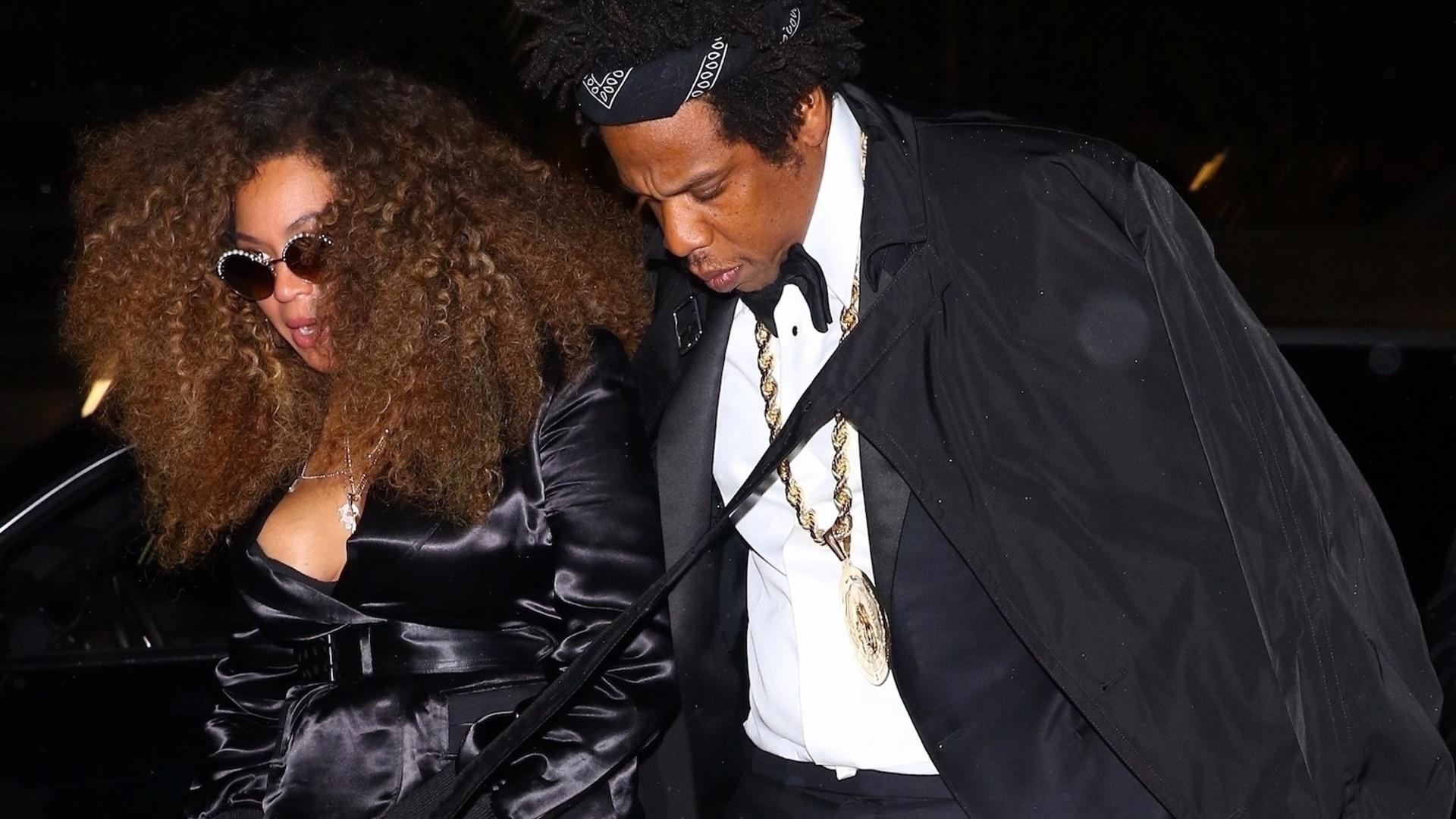 Beyonce z mężem na kolacji – wybrała sukienkę z dużym dekoltem