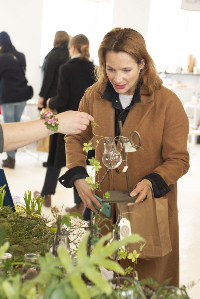 Anna Dereszowska podczas Święta Kwiatów w alternatywnym domu handlowym MYSIA3