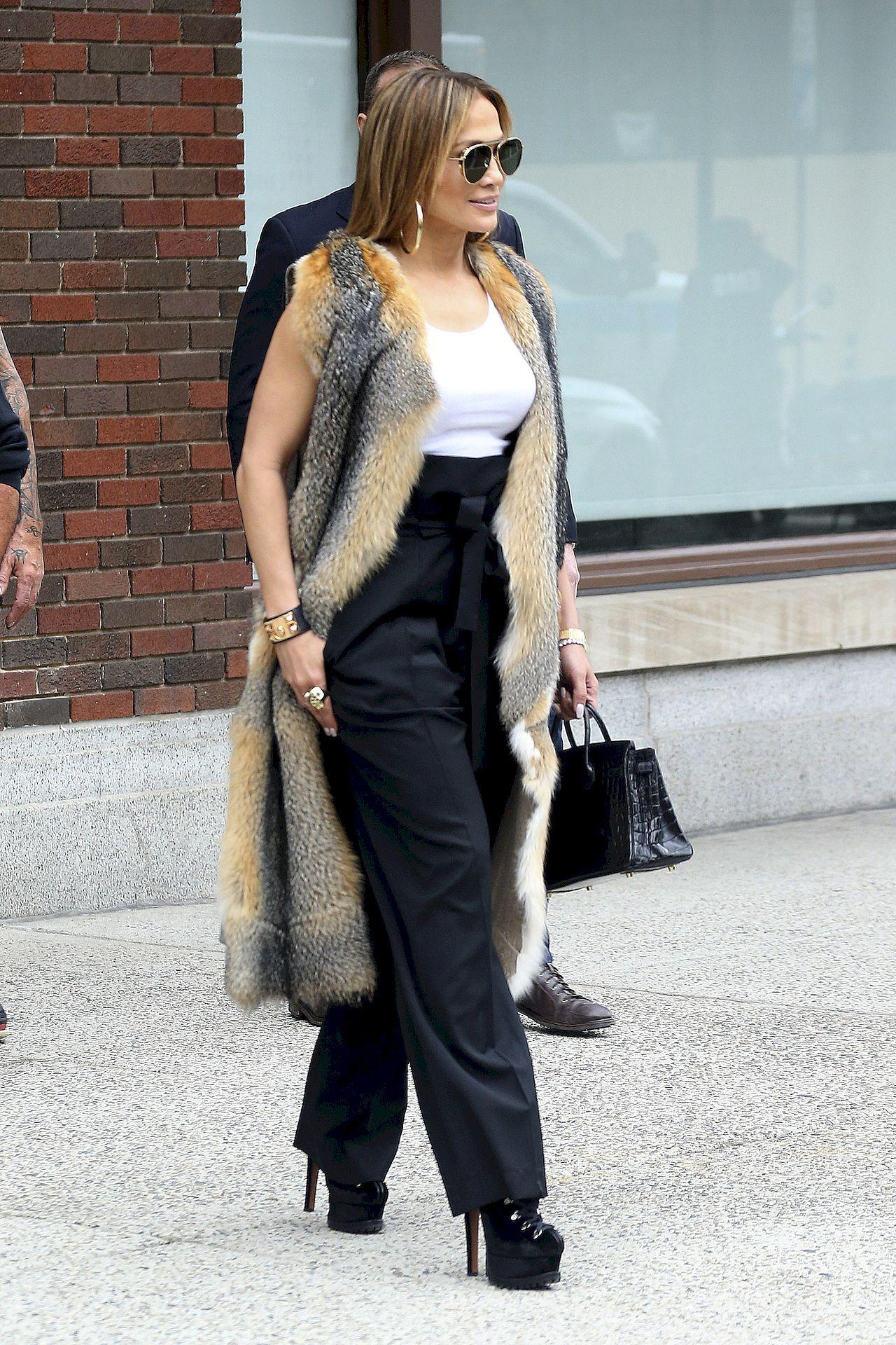 Jennifer Lopez w szpilkach