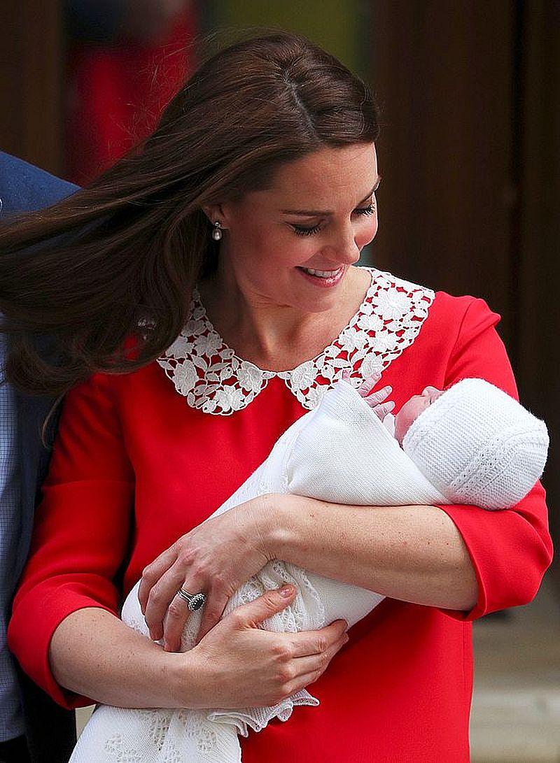 Księżna Kate z księciem Louisem