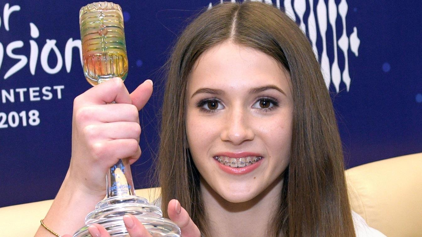 Roksana Węgiel skrytykowana za tekst piosenki: Jesteś na takie zboczone rzeczy za młoda. ODPOWIEDZIAŁA