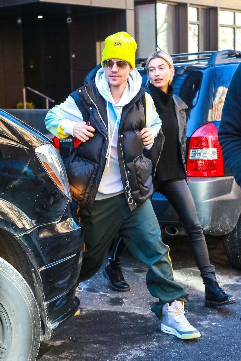 Dziwne stylizacje Hailey Bieber i Justina Biebera