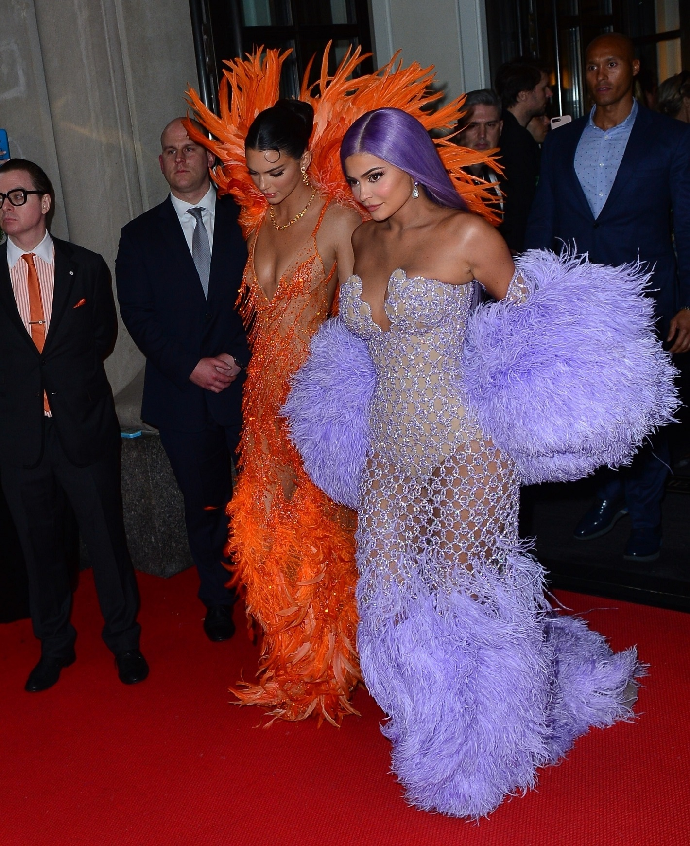 Kendall and Kylie Jenner step out in colorful fashion for the 2019 Met Gala Kendall Jenner, Kylie Jenner
