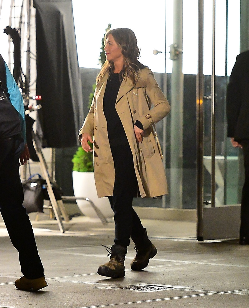 Jennifer Aniston stuns in a Burberry jacket and boots during late night shoot for her upcoming movie Jennifer Aniston