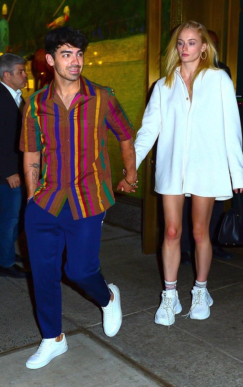 Joe Jonas and Sophie Turner enjoy a double date with his brother Nick Jonas and Priyanka Chopra in NYC! Joe Jonas, Sophie Turner