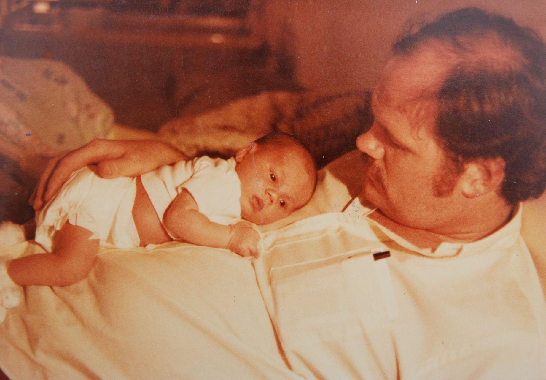 HIT! NOWE, niepublikowane NIGDY zdjęcia z albumu rodzinnego Meghan Markle – pokazał je ojciec księżnej, Thomas