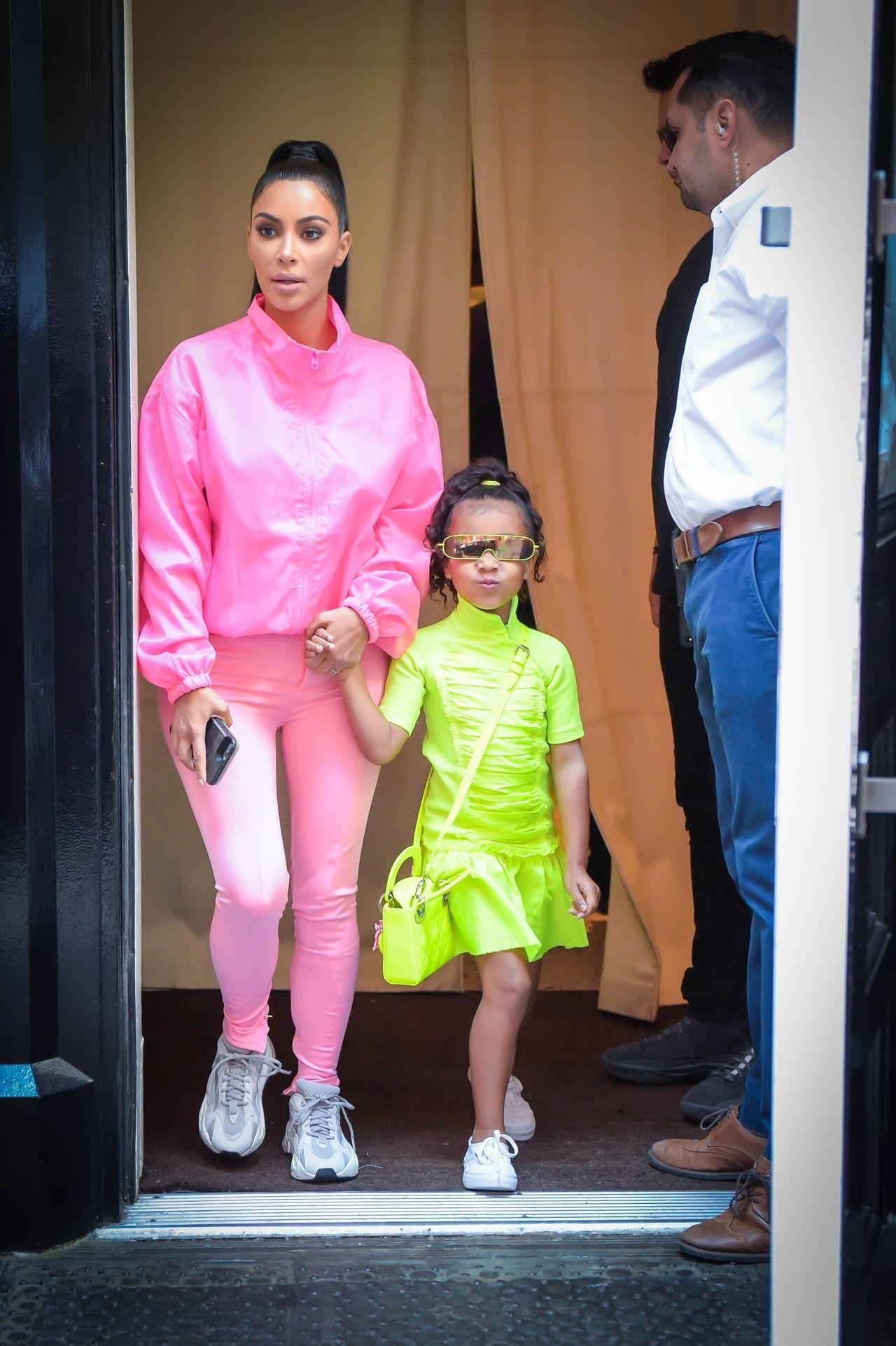 Kim Kardashian steps out with her kids before Kanye West's performance on SNL Kim Kardashian