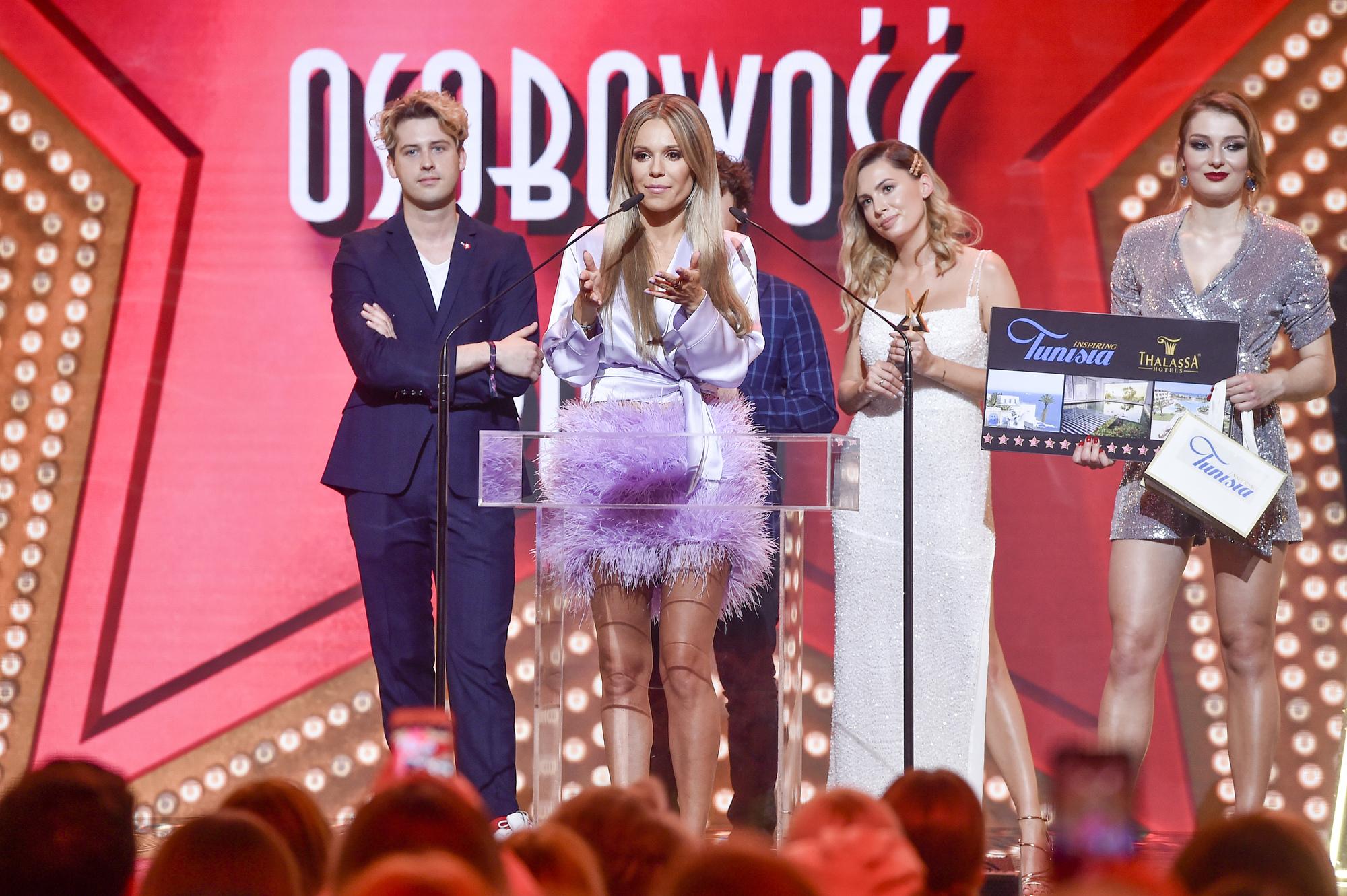 scena z: Agnieszka Hyży, Doda, fot. Jacek Kurnikowski/AKPA