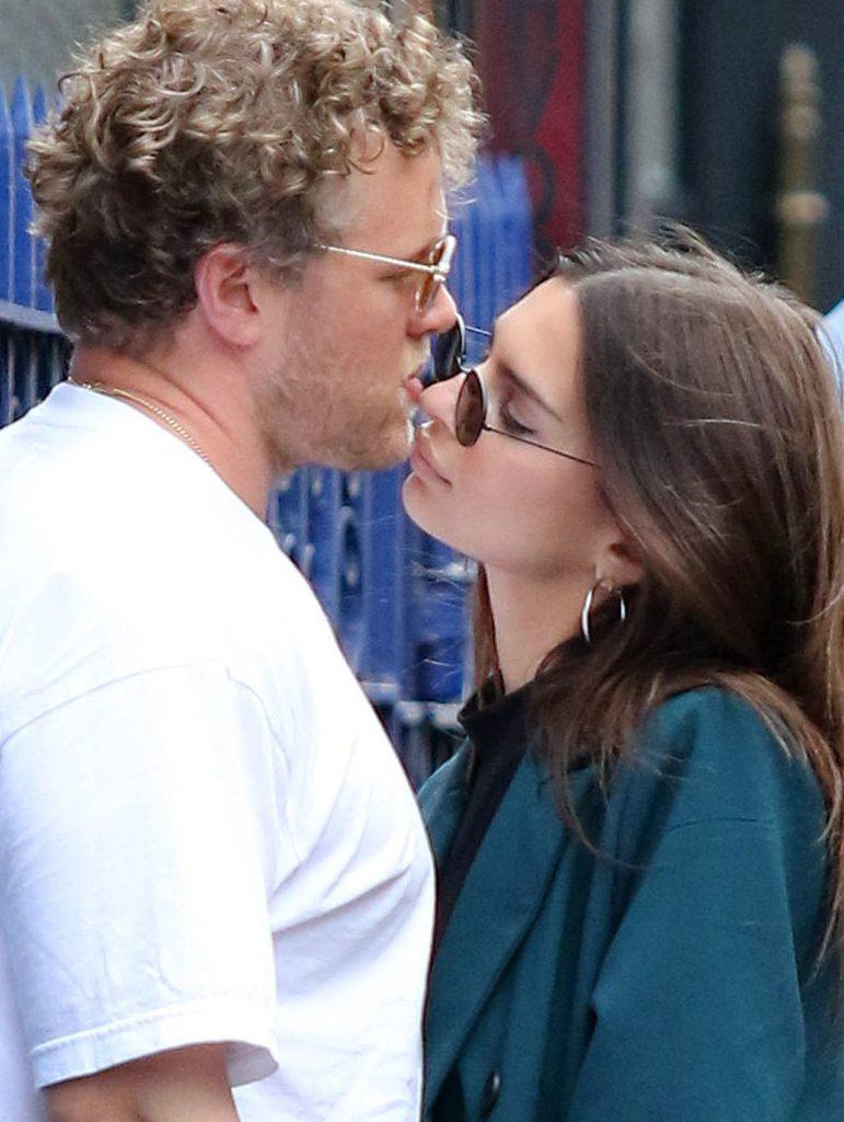 Emily Ratajkowski z mężem Sebastianem Bearem-McClard