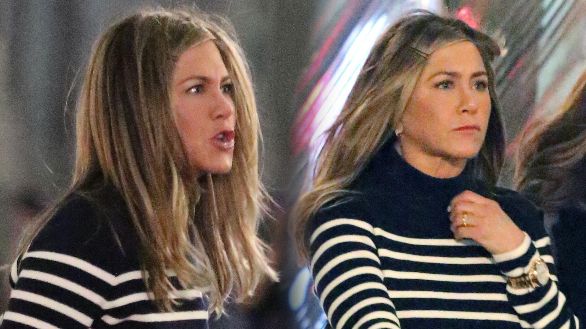 Zdenerwowana Jennifer Aniston spaceruje ulicami Nowego Jorku – NIE BYŁA SAMA (ZDJĘCIA)