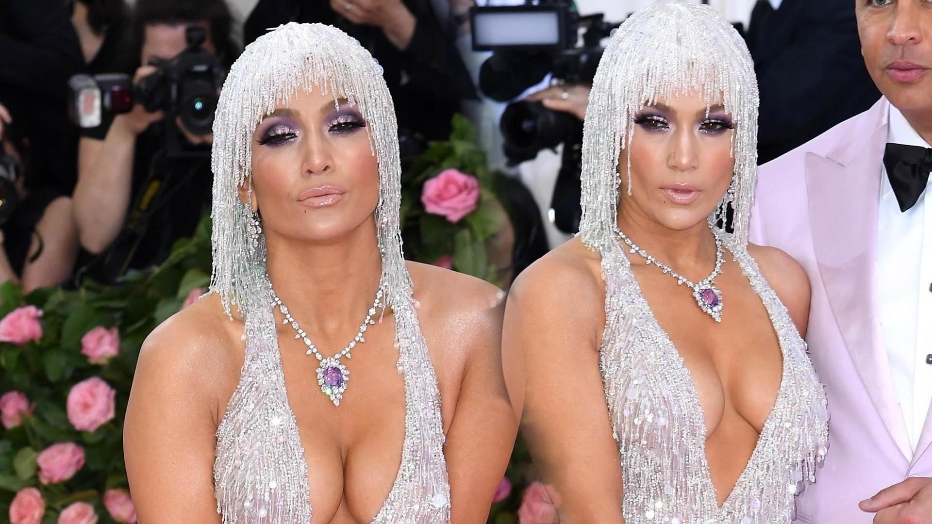 MET GALA 2019: Jennifer Lopez w dziwacznej peruce i ogromnym dekolcie (ZDJĘCIA)
