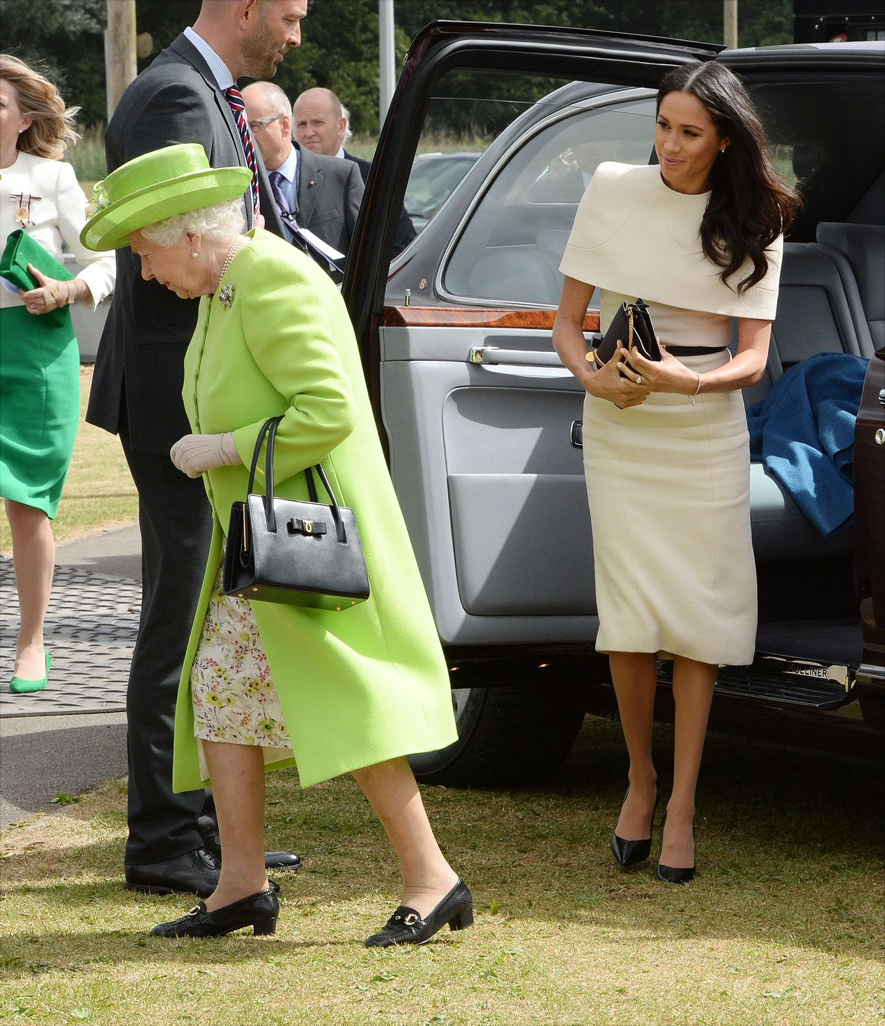 Królowa Elżbieta i księżna Meghan