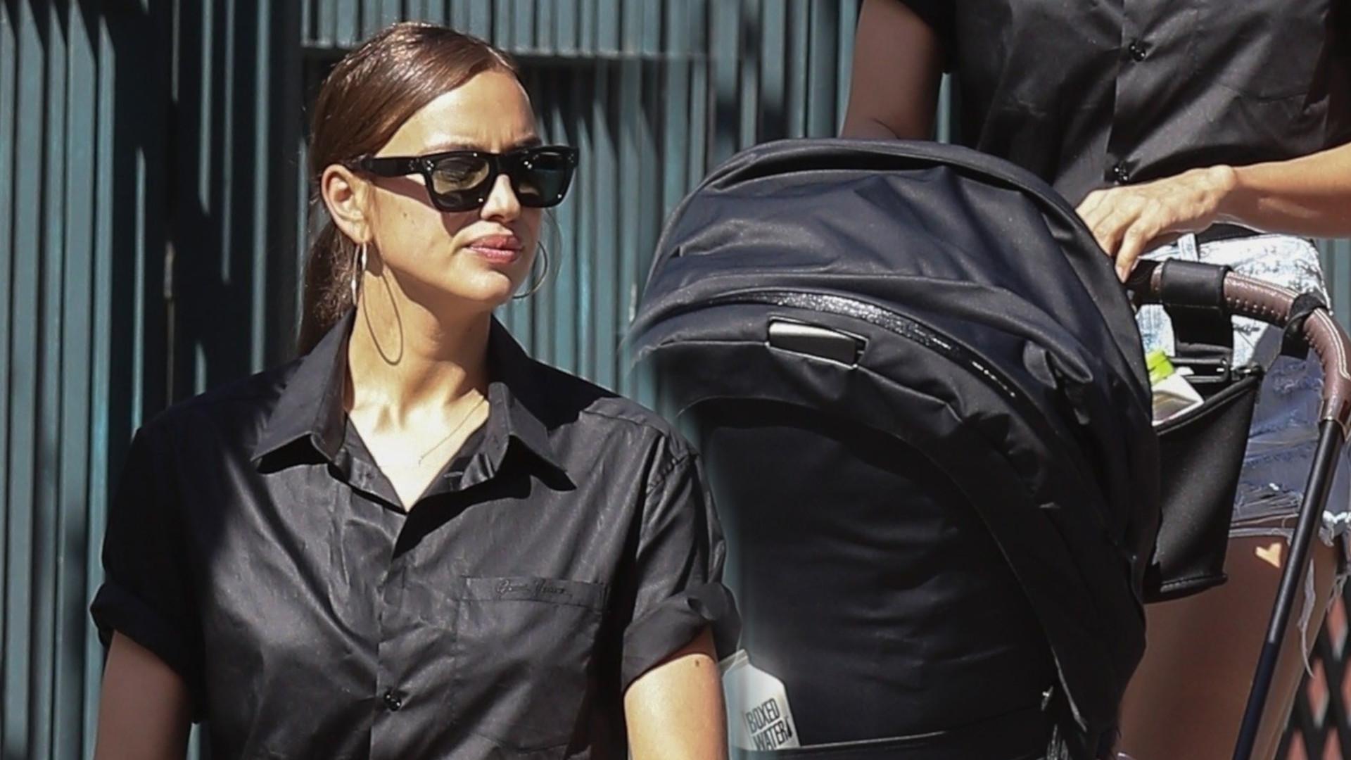 Irina Shayk na spacerze z córką, ale nie sama – ta osoba pomaga jej odkąd rozstała się z Bradleyem Cooperem (ZDJĘCIA)