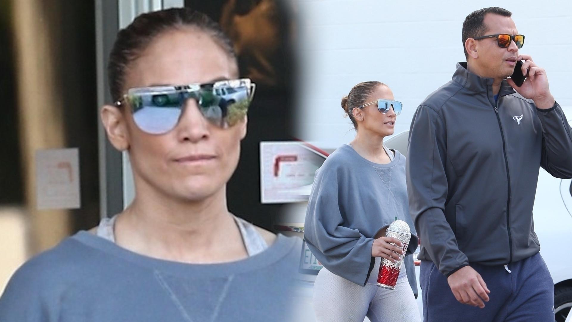 Jennifer Lopez wychodzi z siłowni w stroju sportowym (ZDJĘCIA)
