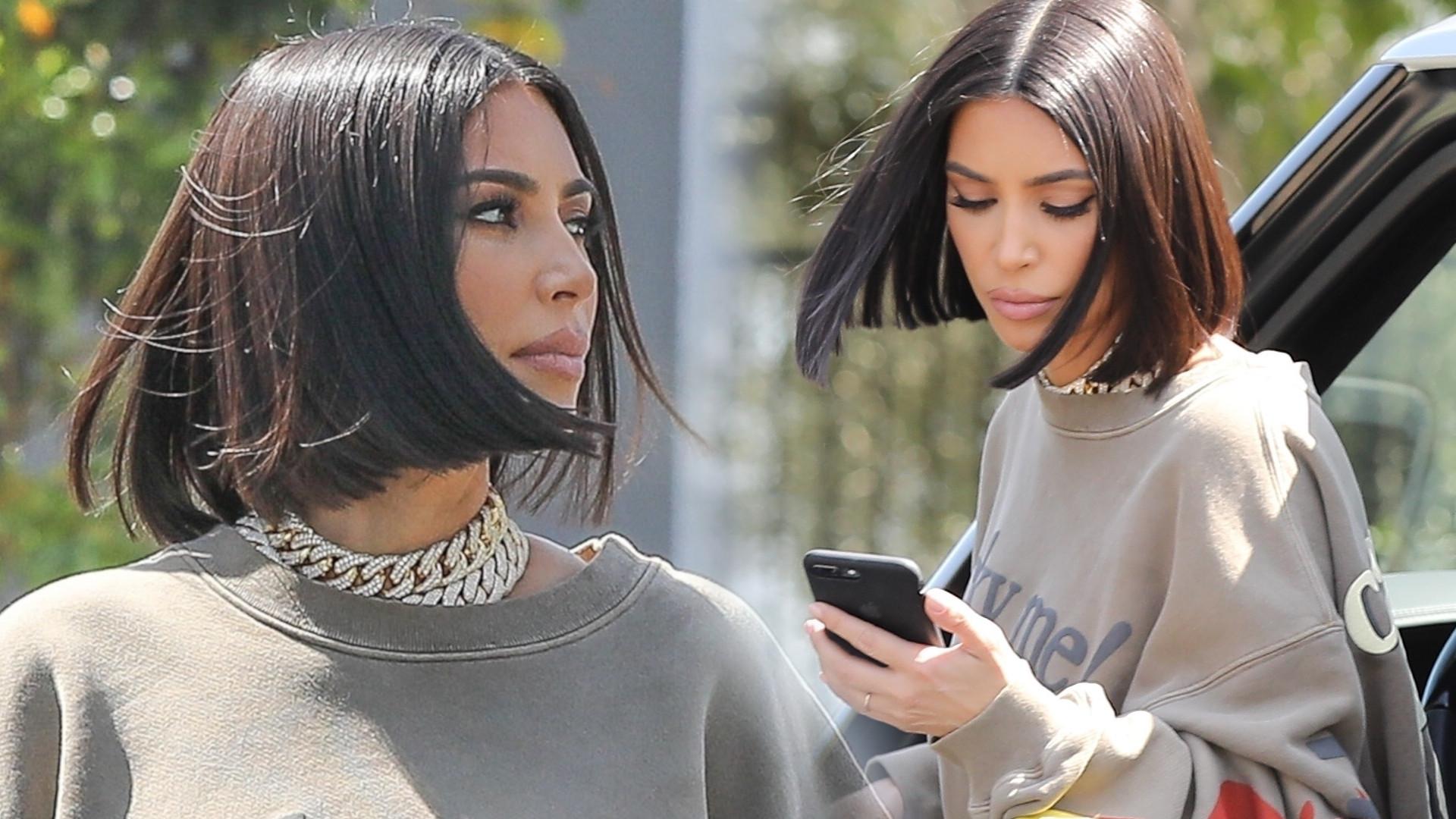 Kim Kardashian w wielkiej, szerokie bluzie. Wygląda świetnie! (ZDJĘCIA)