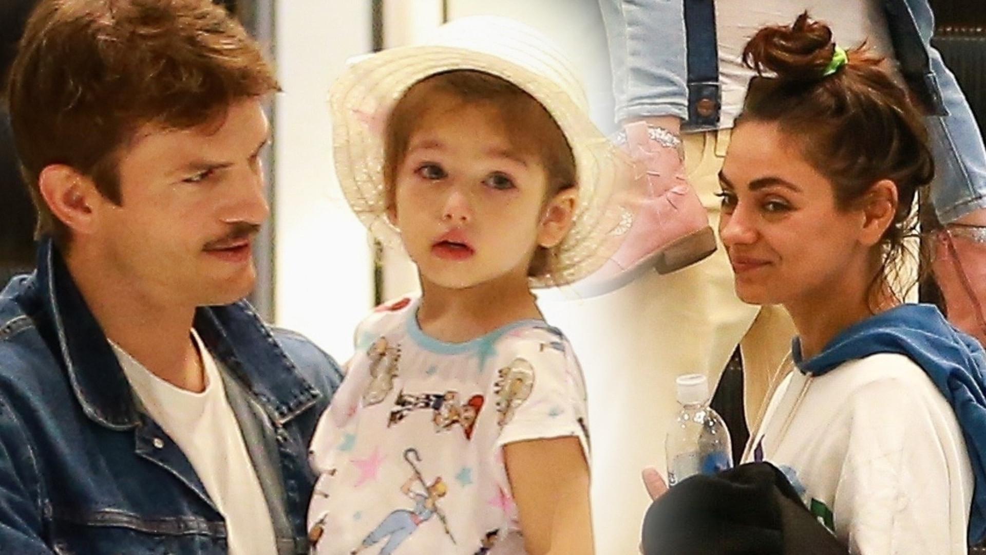 Mila Kunis i Ashton Kutcher z dziećmi w centrum handlowym