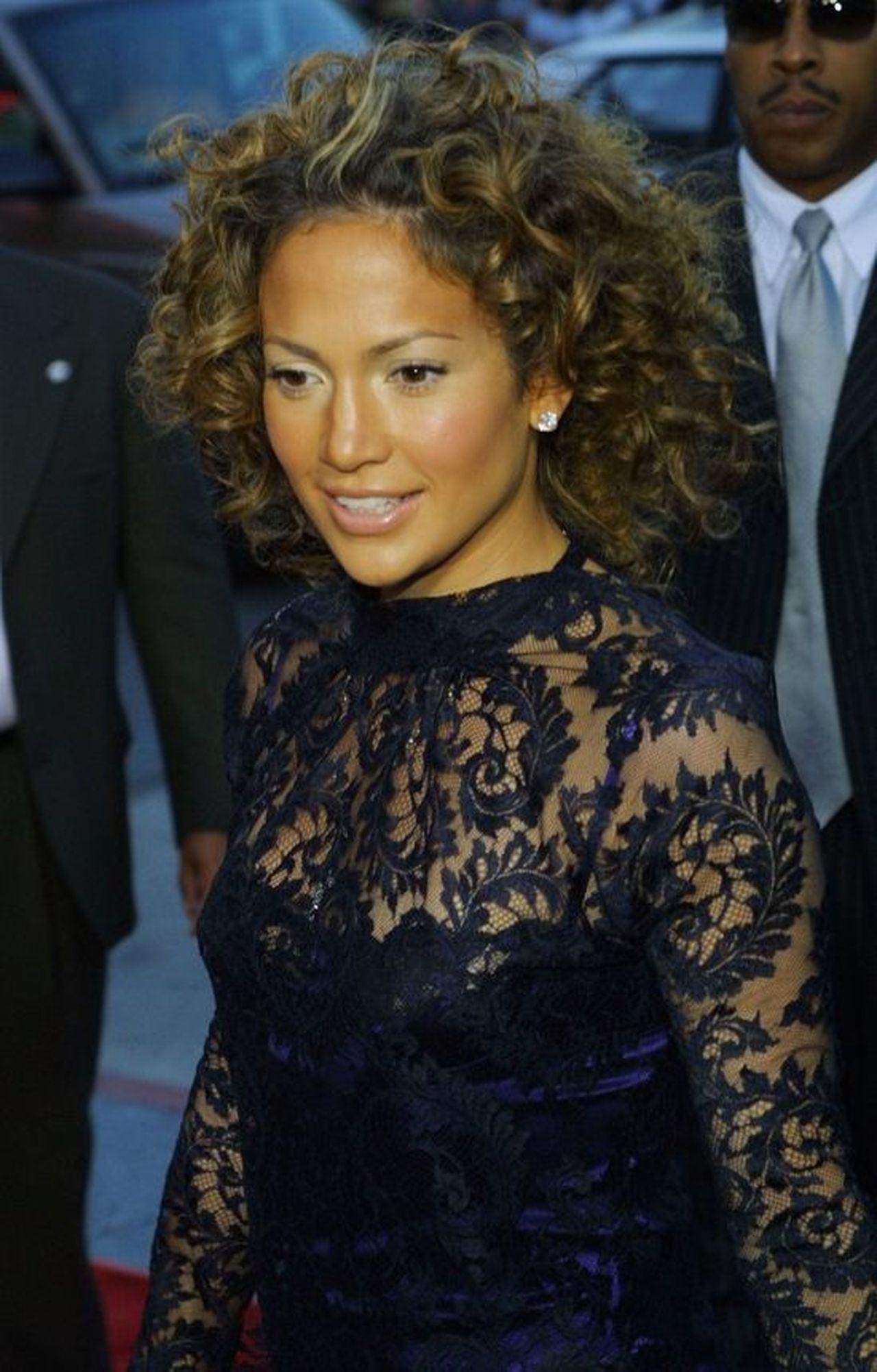 10 ciekawostek o Jennifer Lopez na jej 50. URODZINY! Ile lat miała, gdy zaręczyła się po raz pierwszy? Jakie ma FOCHY?