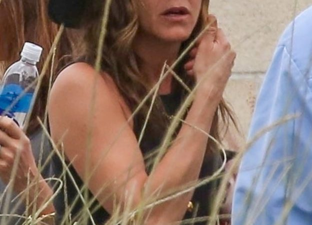 *EXCLUSIVE* Jennifer Aniston and Courteney Cox return to LA after a Mexico getaway