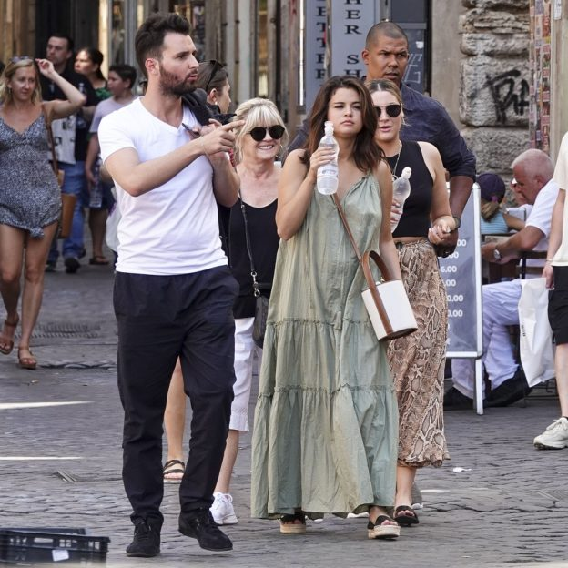 EXCLUSIVE: **PREMIUM**Selena Gomez having lunch with film producer, Andrea Iervolino