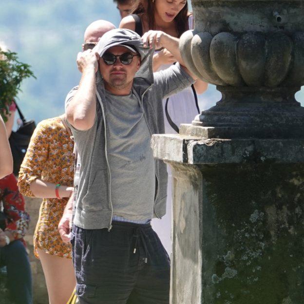 ** PREMIUM EXCLUSIVE RATES APPLY ** Leonardo Di Caprio and Camilla Morrone visit Villa D' Este with parents