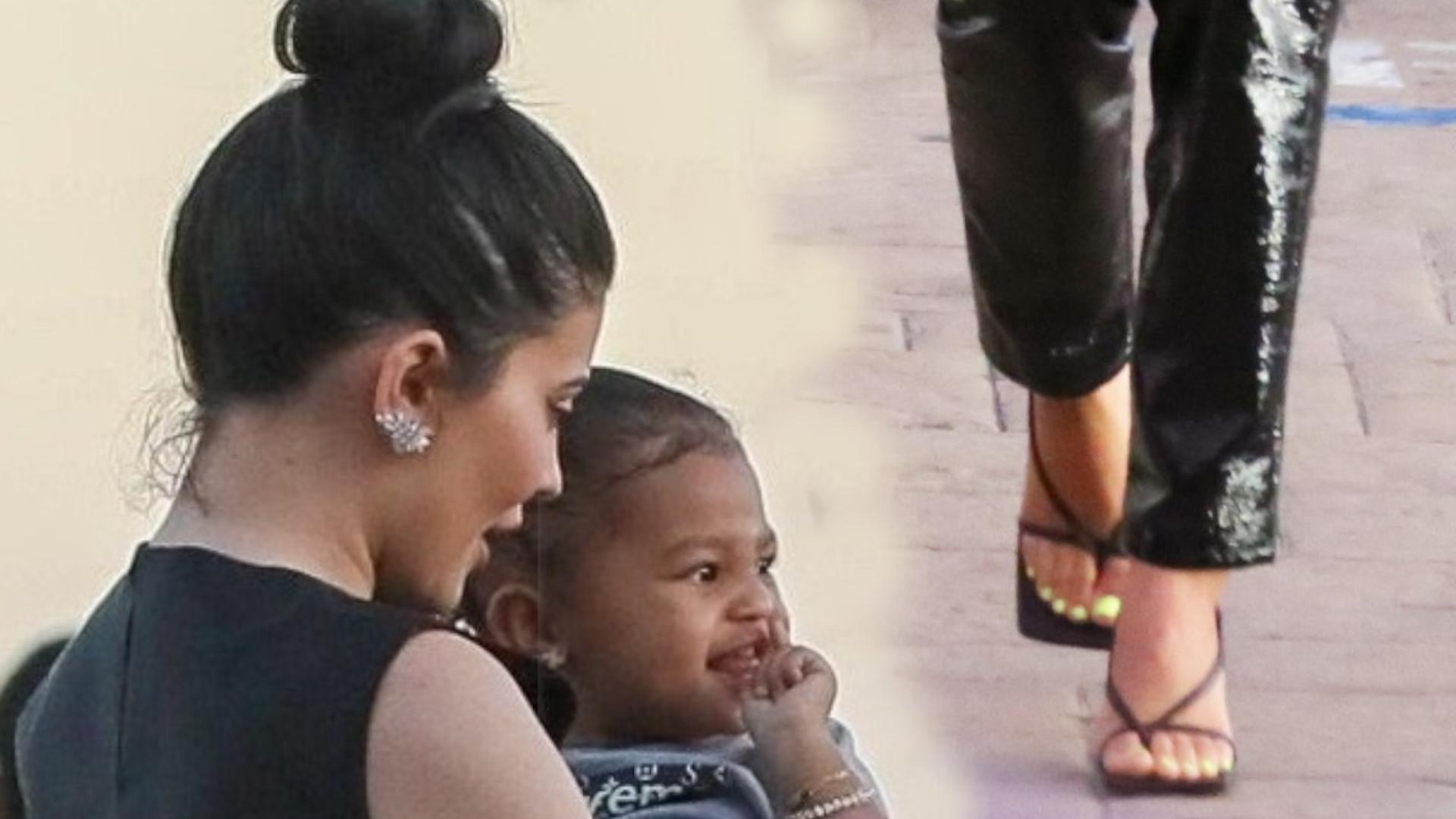 Kylie Jenner na lunchu z nową dziewczyną Scotta Disicka. Miała dziwnie zawiązane szpilki