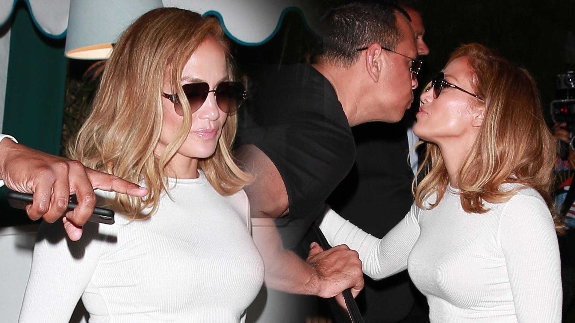 OMG! Zobaczcie brzuch Jennifer Lopez. Tym razem przesadziła (ZDJĘCIA)