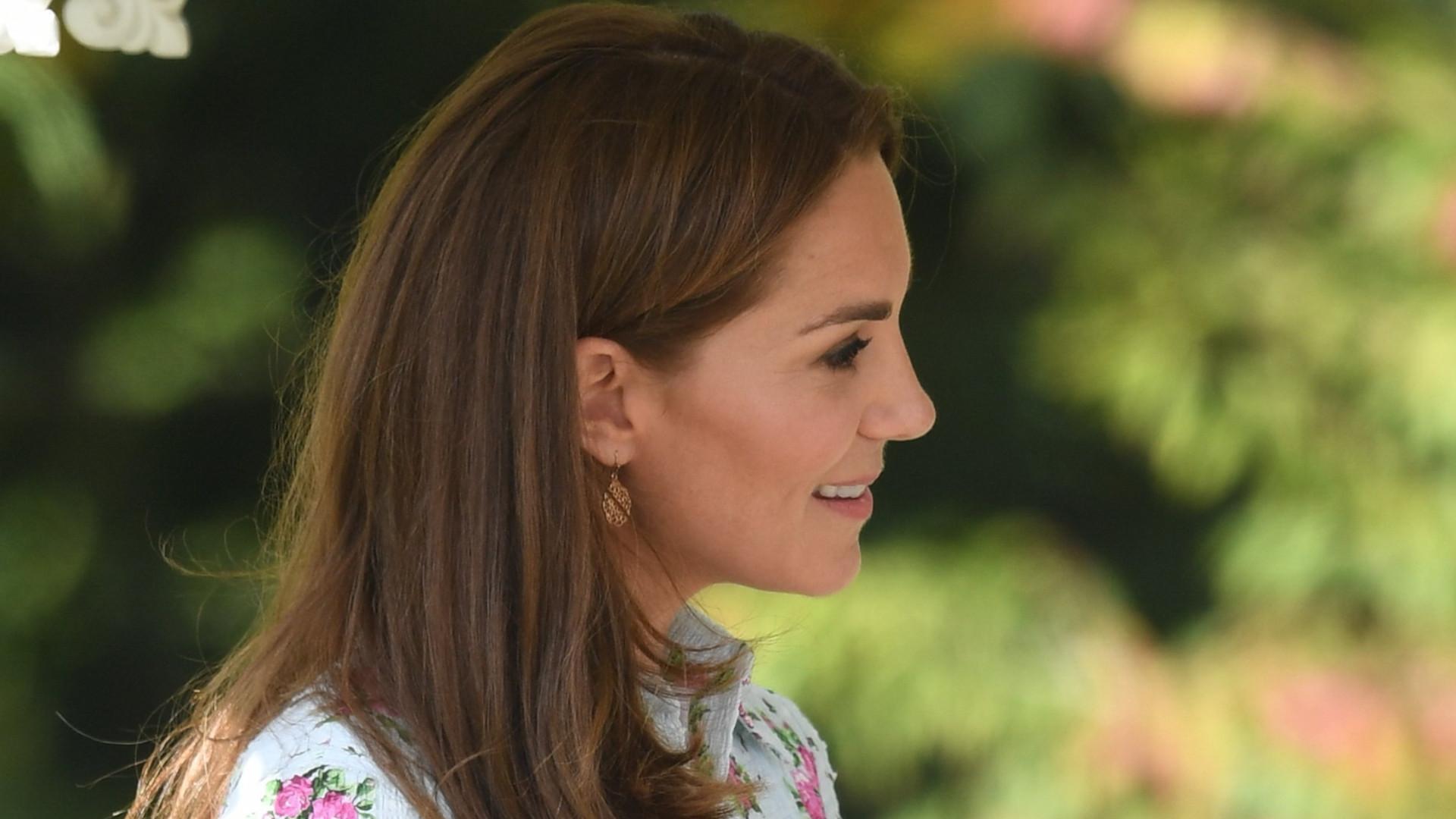 Kate Middleton w bardzo DROGIEJ sukience na otwarciu swojego ogrodu (ZDJĘCIA)