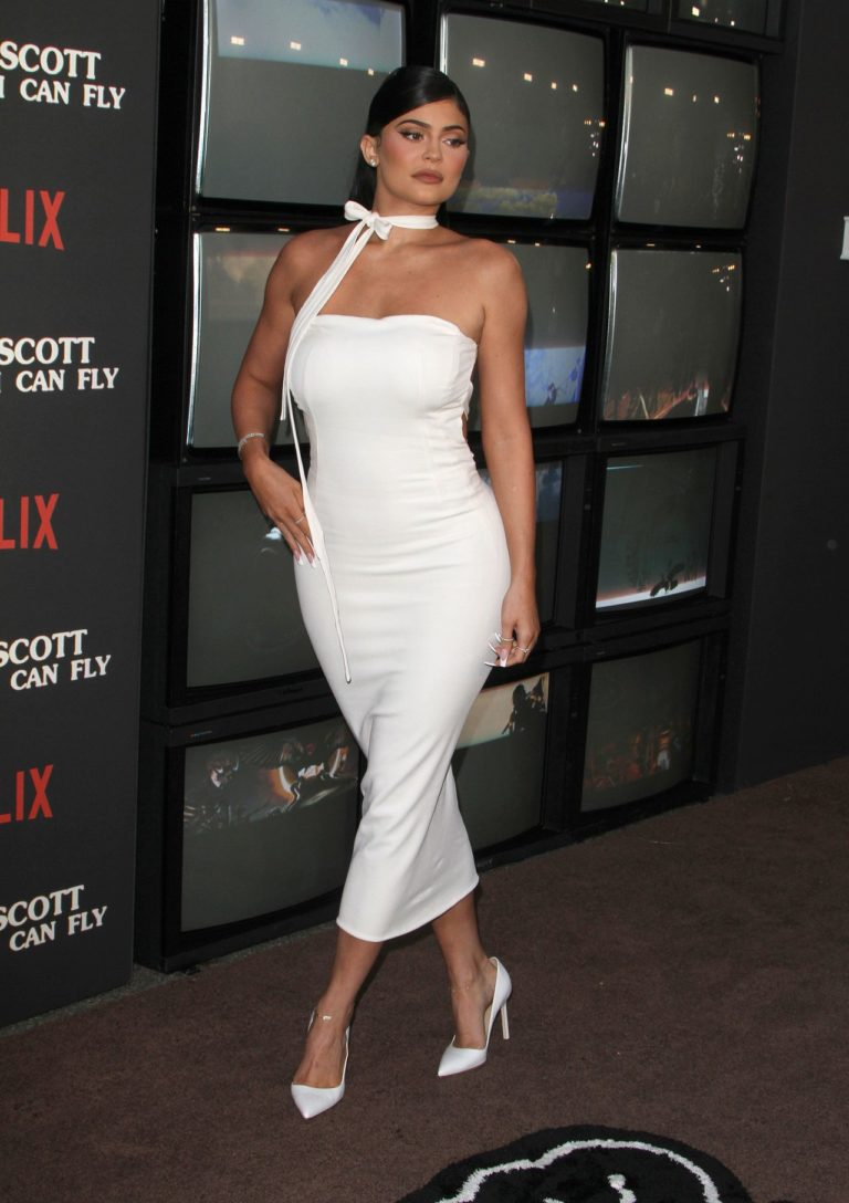 "Kylie Jenner na premierze filmu Travisa Scotta, Netflix Travis Scott "" Look Mom I can Fly"""