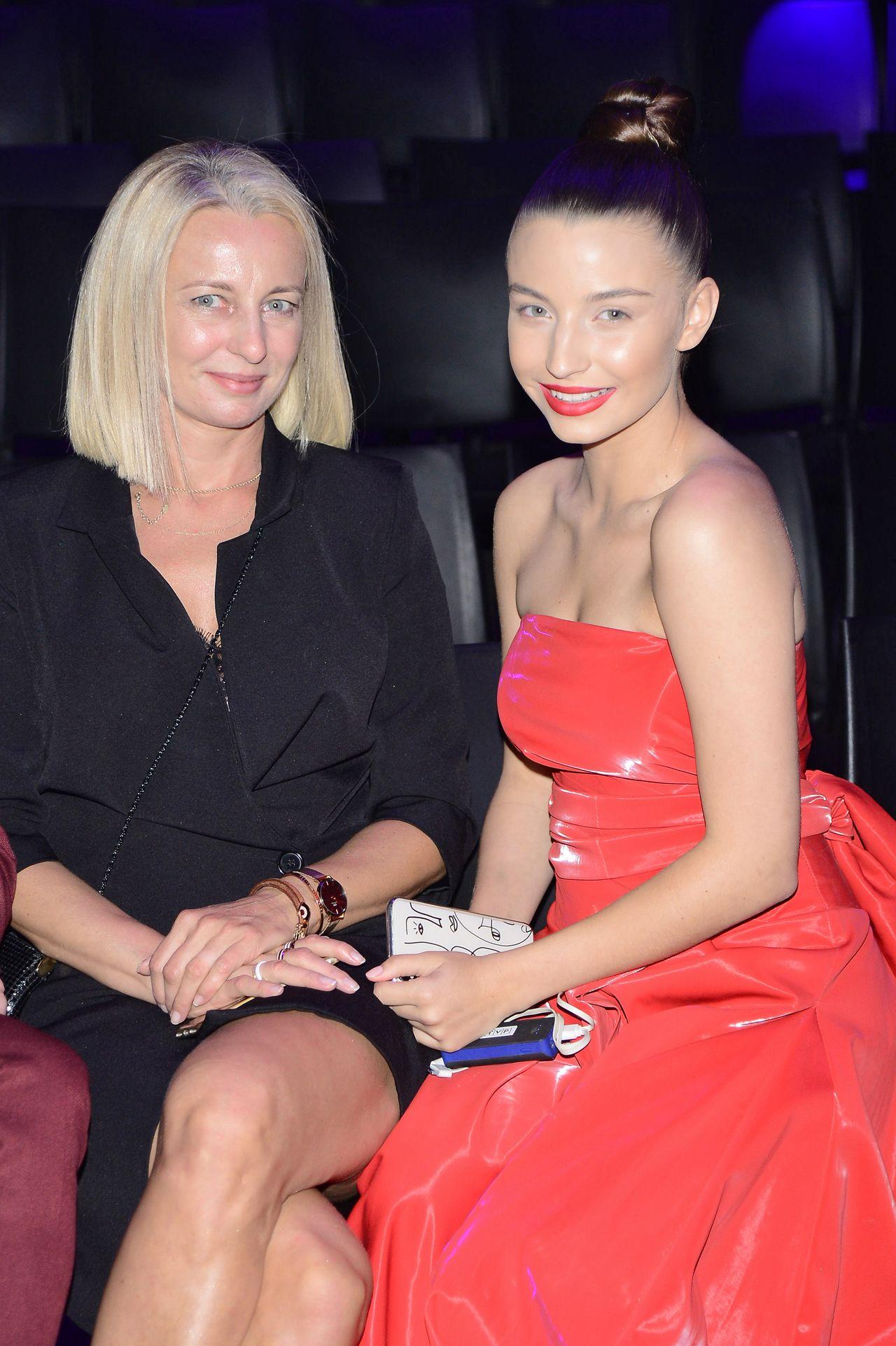 Mama Julii Wieniawy wygląda jak jej SIOSTRA!