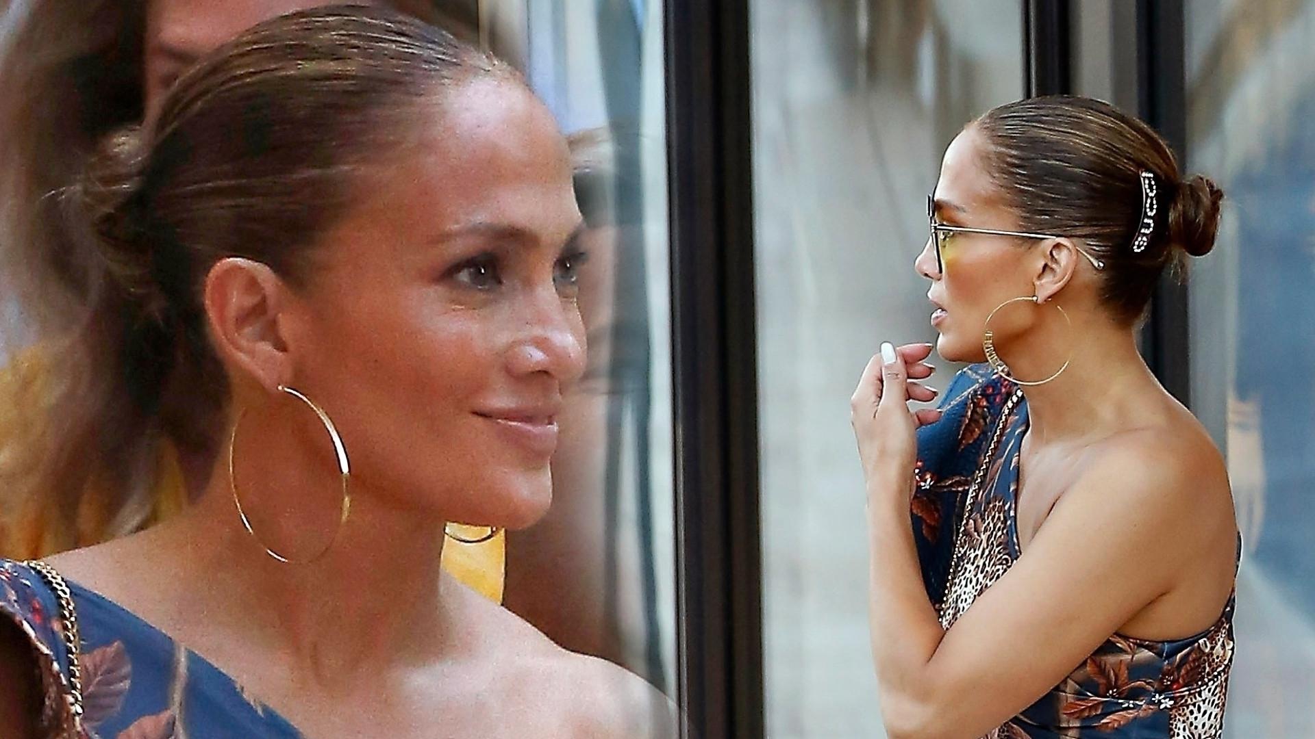 Jennifer Lopez szaleje na zakupach – ta TOREBKA świetnie uzupełniła jej stylizację (ZDJĘCIA)