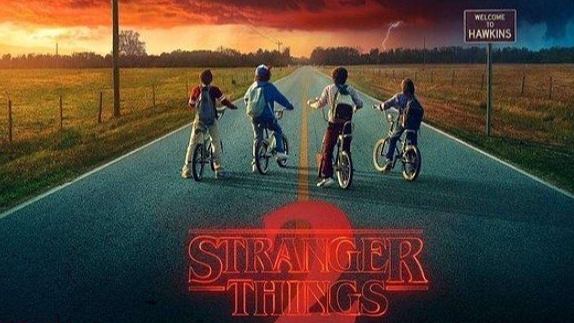 """Gwiazdy serialu """"Stranger Things"""" grali parę w serialu a teraz prywatnie są w ZWIĄZKU!"""