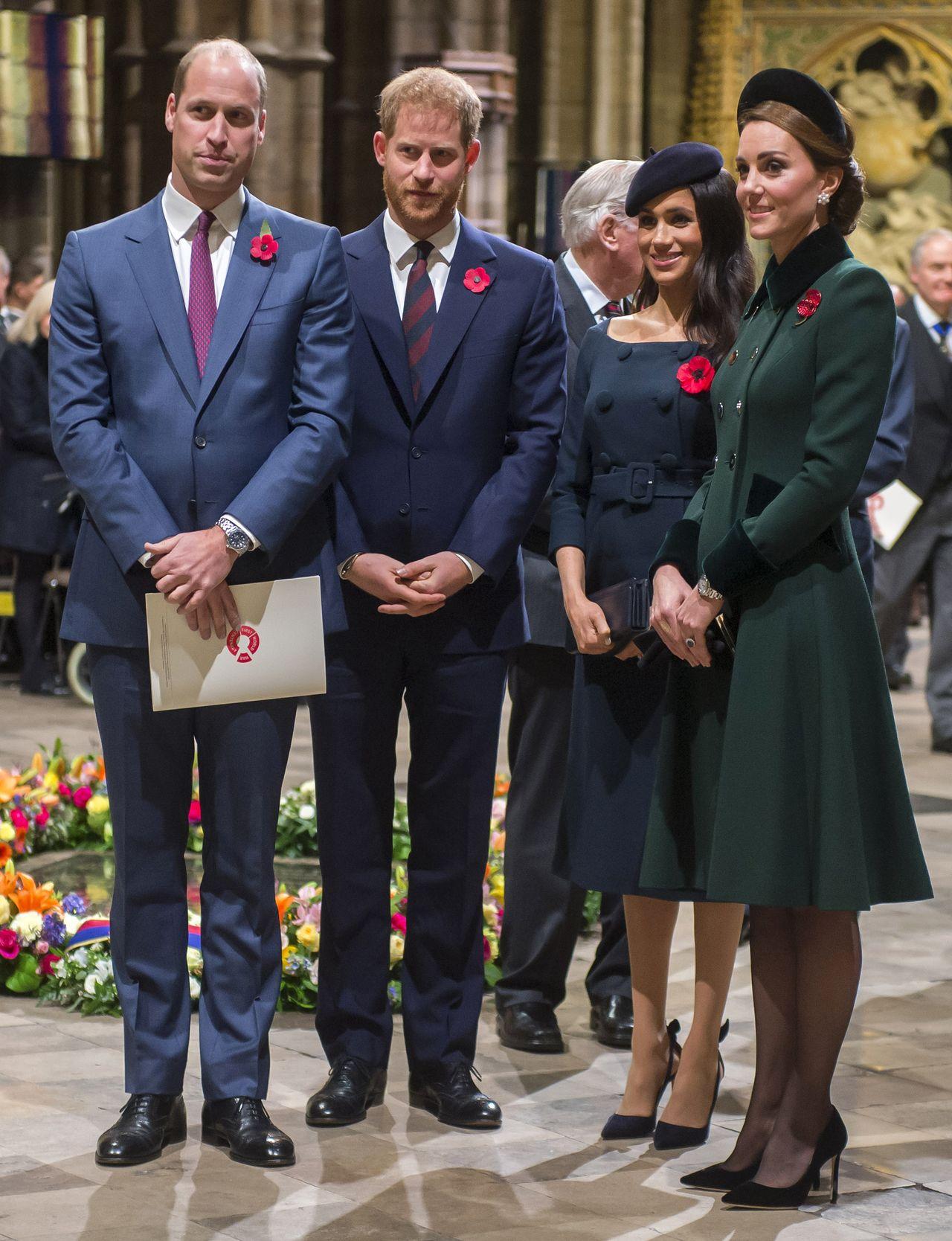 Meghan Markle z księciem Harrym i księżną Kate i Williamem.