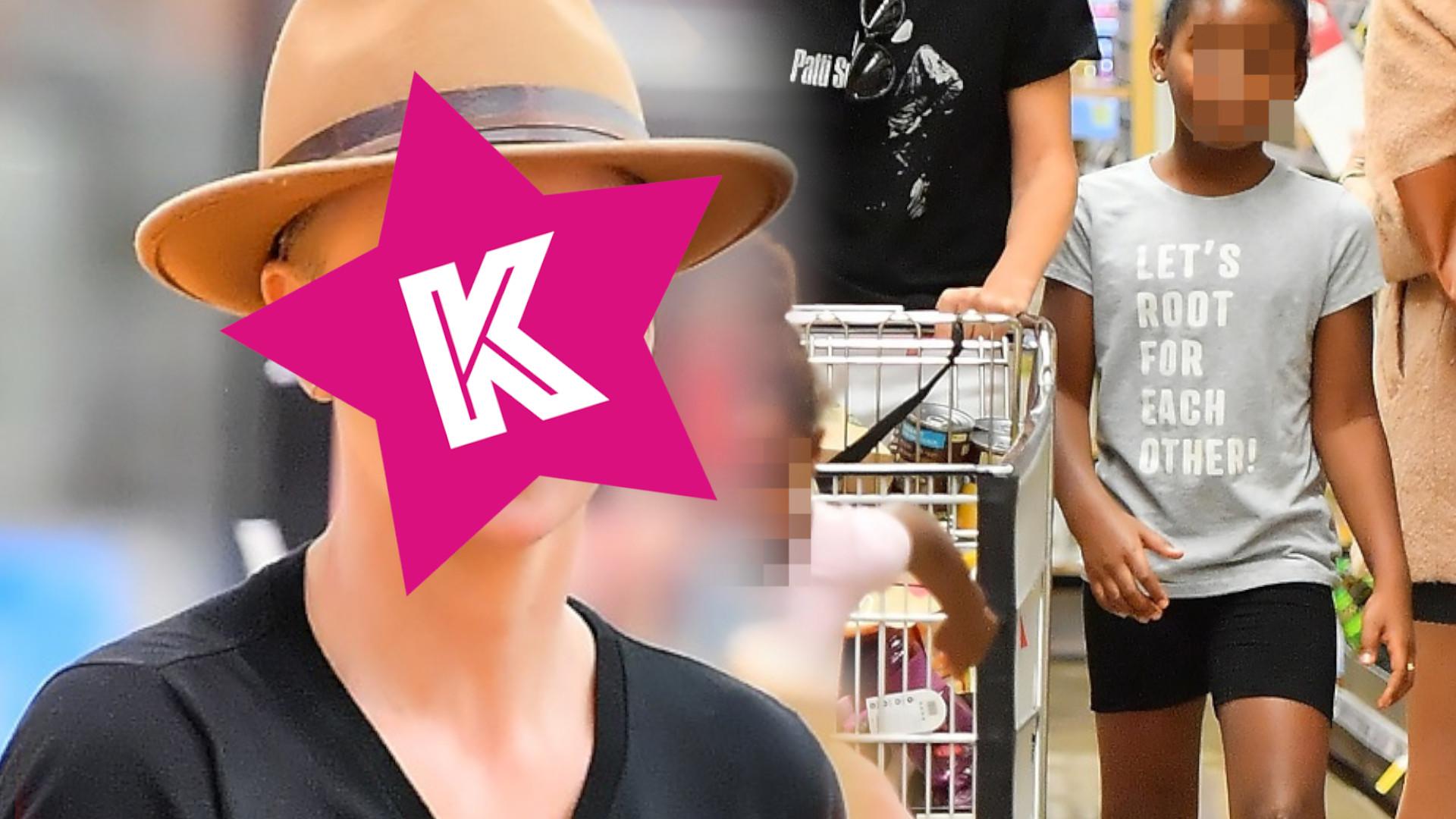 Charlize Theron na zakupach w HIPERMARKECIE. Wyglądała tak zwyczajnie…
