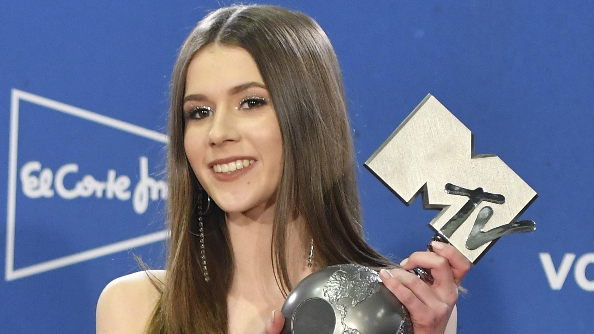 Amerykańskie gwiazdy mogą się UCZYĆ stylu od Roxi Węgiel – na gali MTV EMA Polka wyglądała świetnie! (ZDJĘCIA)