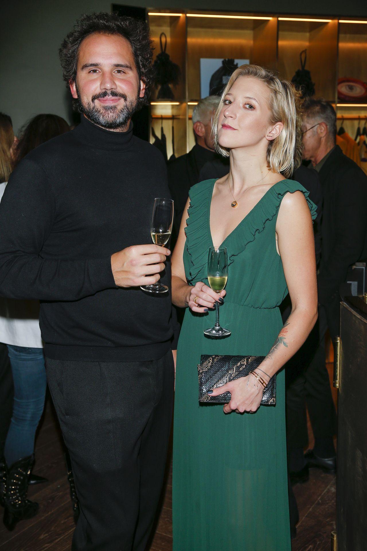 Lara Gessler z mężem na imprezie branżowej.